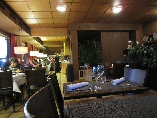 Hotel Gloria Restaurant: Pleasant dining area