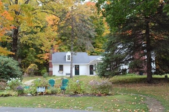 Garden Gables Inn: the cottages