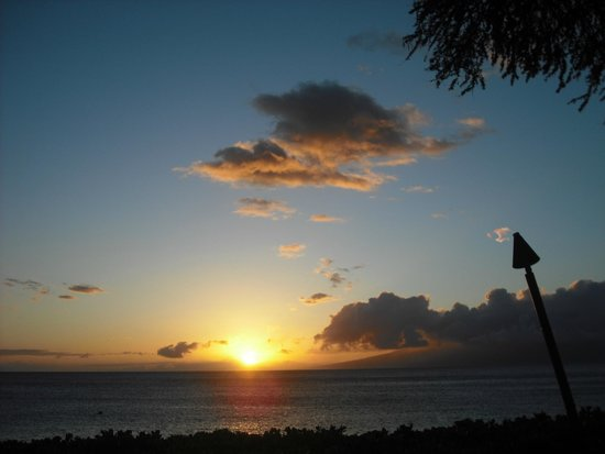 Aston Maui Kaanapali Villas: just one of 8 sunsets we enjoyed