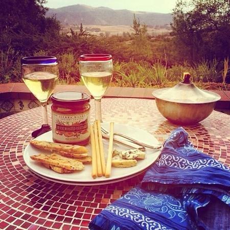 The Casitas of Arroyo Grande: Happy hour on the Mariposa patio