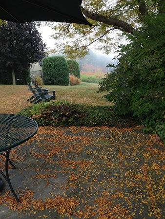 West Chesterfield, NH : Chesterfield Inn area around the bed and breakfast