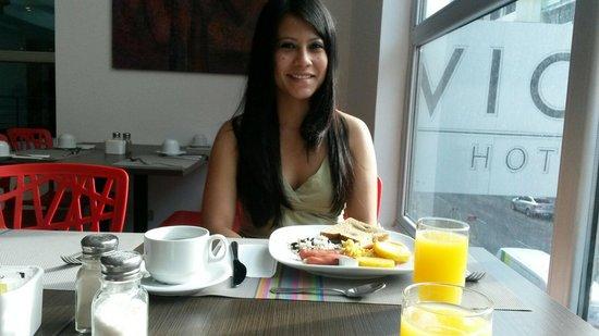 Clarion Victoria Hotel and Suites Panama: Desayuno buffet!!