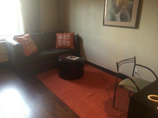 Ramada Plaza by Wyndham West Hollywood Hotel & Suites : Ramada Plaza West Hollywood - Loft view living room