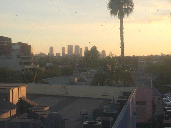 Ramada Plaza by Wyndham West Hollywood Hotel & Suites : Ramada Plaza West Hollywood - Loft view Los Angeles city