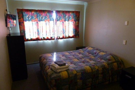 Tiki Lodge: Bedroom