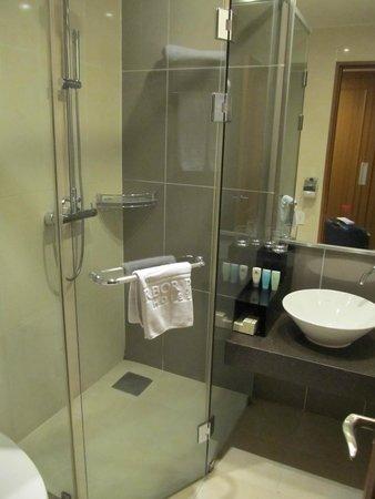 Harbor Park Hotel : Bathroom