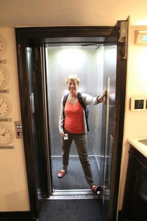 Diana Dauphine : the smallest hotel lift i've ever seen!