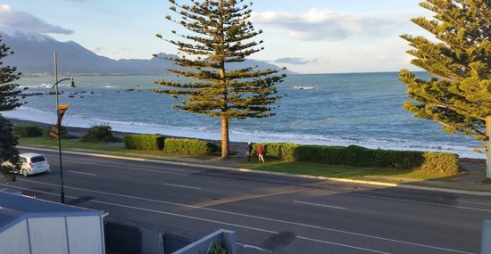 Kaikoura Apartments : beautiful unobstructed views -stroll into town