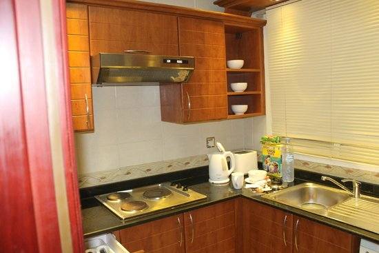 Xclusive Casa Hotel Apartment: Kitchenette