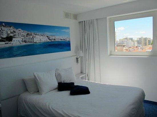Best Western Eurociel Centre : Modern room