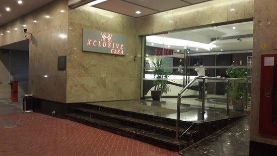 Xclusive Casa Hotel Apartment: Hotel Entrance