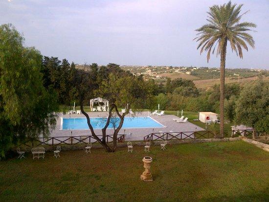 Hotel Villa Calandrino: Vista della Piscina ....