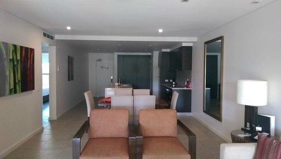 Pullman Port Douglas Sea Temple Resort & Spa: Main Kitchen / Area - 2br apartment w plunge pool