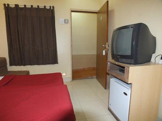 Hotel New Bengal : Standard Room