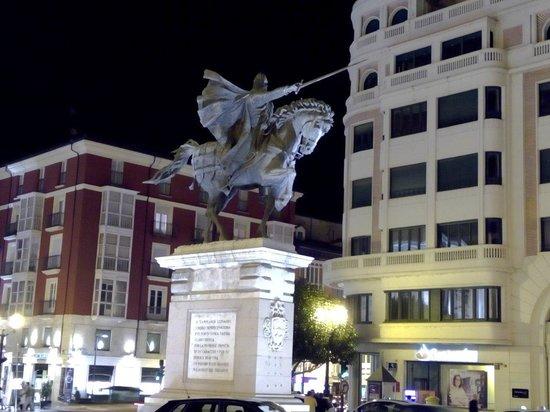 Plaza del Mio Cid: El Cid.