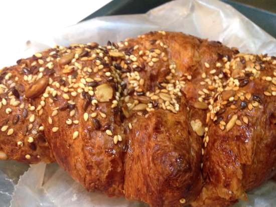 Fresh and Co.: While wheat croissant
