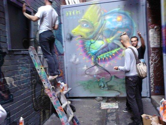Melbourne Walks: Street artists painting Croft Lane