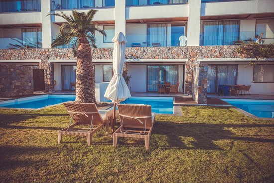 Amirandes, Grecotel Exclusive Resort: вид на номер amirandes junior family suite with pool