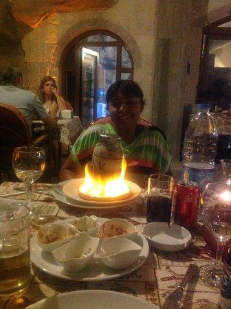 Old Cappadocia Cafe & Restaurant: Testi Kebab al fuoco