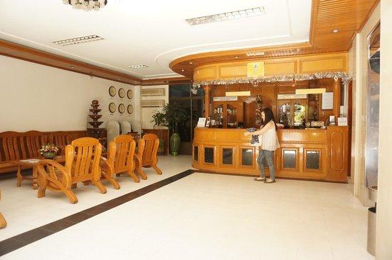 Silver Star Hotel: lobby