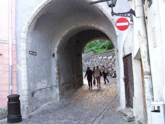 Long Boot (Pikk Jalg): Ворота в Старый город