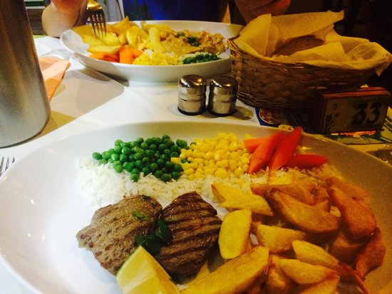 Adelaida Restaurant: Very big portions! Nice and fresh
