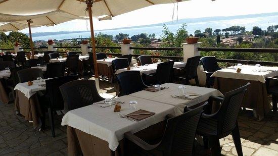 Che panorama!! - Picture of Ristorante Le Terrazze sul Lago ...