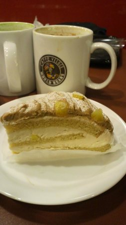 Cafe Veloce Ariake