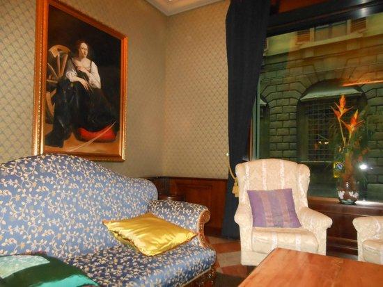B4 Astoria Firenze : Hall de entrada