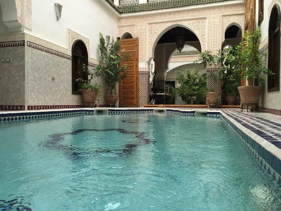 Le Pavillon Oriental: La piscine