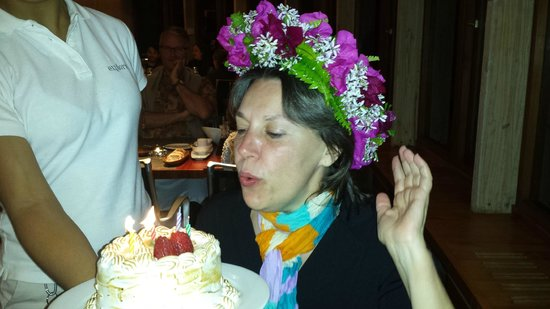 explora Rapa Nui - All Inclusive : They gave me a cake and flowers for my birthday