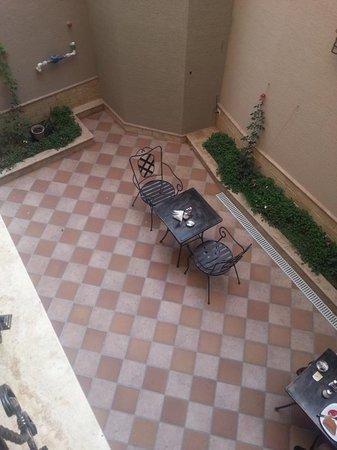 KMM Hotel Patio/Courtyard