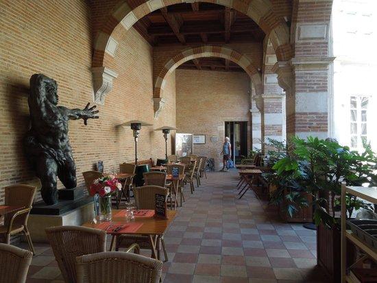 Fondation Bemberg : Gallery entrance