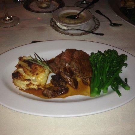 Belvedere Inn & Restaurant: Chateaubriand