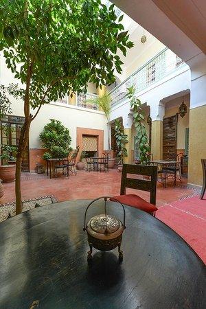 Riad Dar Nael: Dining Area