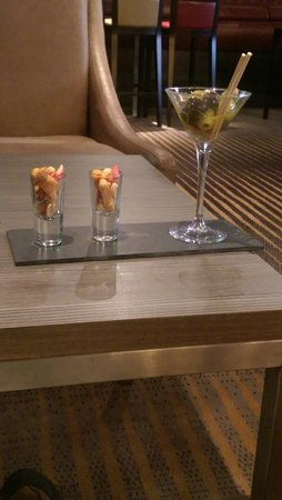Crowne Plaza Chester: complimentary bites in bar
