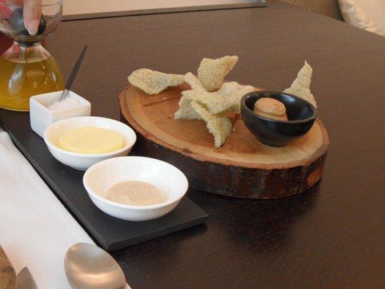 Restaurant 6 Zinnen: Zeewierkroepoek met pindasaus