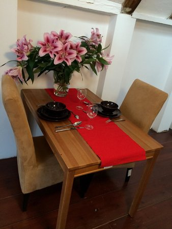 Rembrandtplein Bed & Breakfast: Dining table