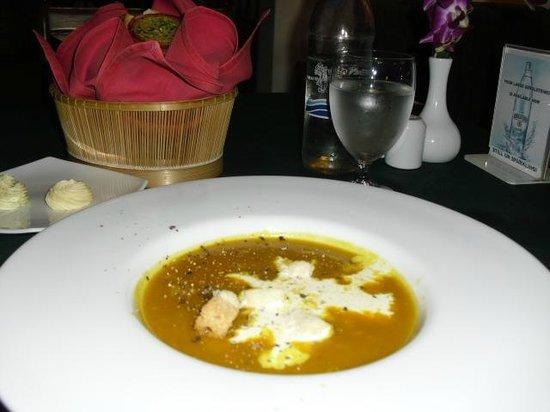 Uncle Nan's Italian Restaurant: スープ