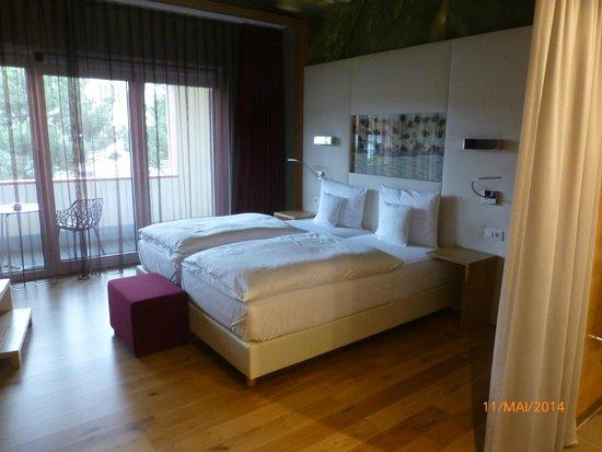 tolle wanddeko echtes moos bild von kaisergarten hotel spa deidesheim deidesheim. Black Bedroom Furniture Sets. Home Design Ideas