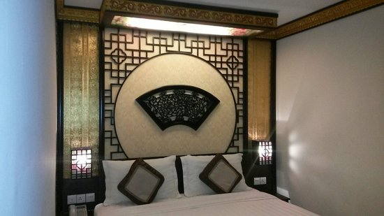K Garden Hotel Parit Buntar: Nice chinese-themed room