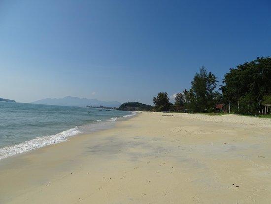Tengah Beach: Тенгах