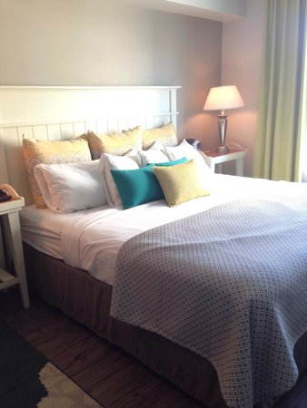 Hotel Indigo Sarasota: King bed
