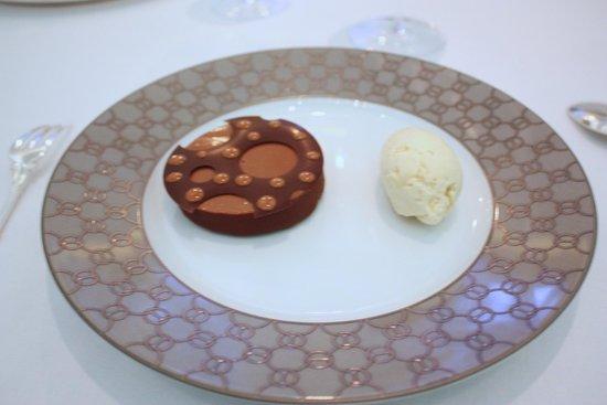 Alain Ducasse at The Dorchester: Chocolate, Praline & Vanilla Ice Cream
