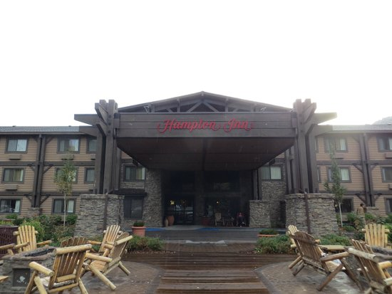 Hampton Inn Jackson Hole : Front of hotel