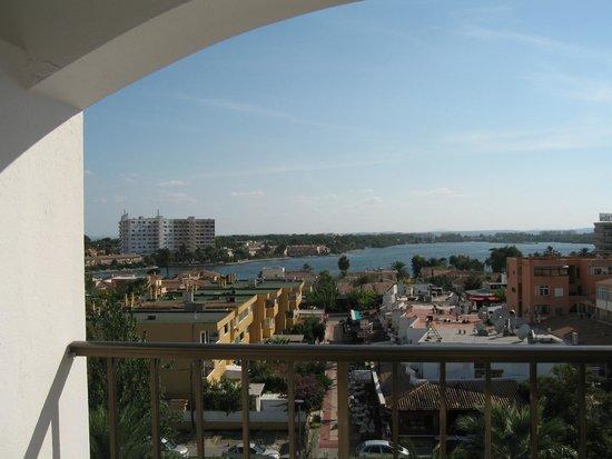 Pool area - Picture of Sol de Alcudia Apartments, Port d'Alcudia - TripAdvisor