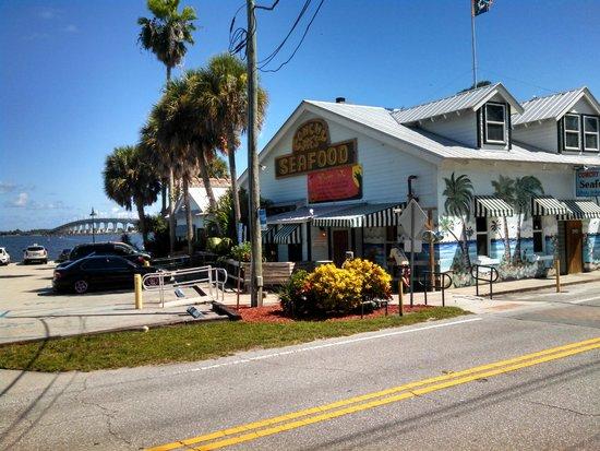 Conchy Joes Jensen Beach Florida - Amazing Fresh Seafood