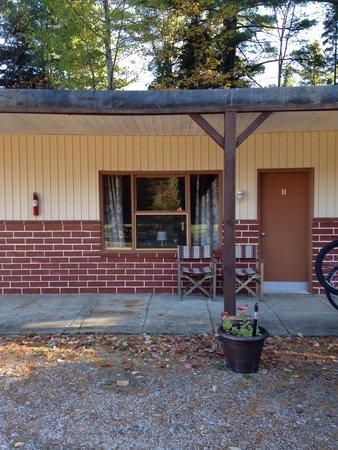 Riverside Motel Dwight: Cozy