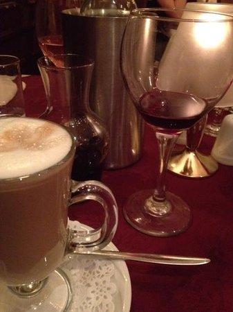 Piccolo Mondo: drinks a plenty with the celebration meal