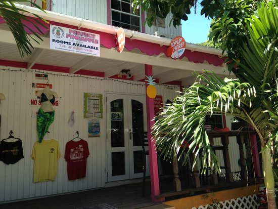 Perfect Pineapple Guest Houses: Gift Shop & Lunch Restaurant